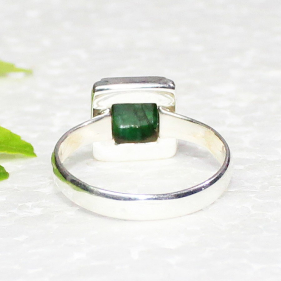 Amazing NATURAL INDIAN EMERALD Gemstone Ring, Birthstone Ring, 925 Sterling Silver Ring, Fashion Handmade Ring, All Ring Size, Gift Ring