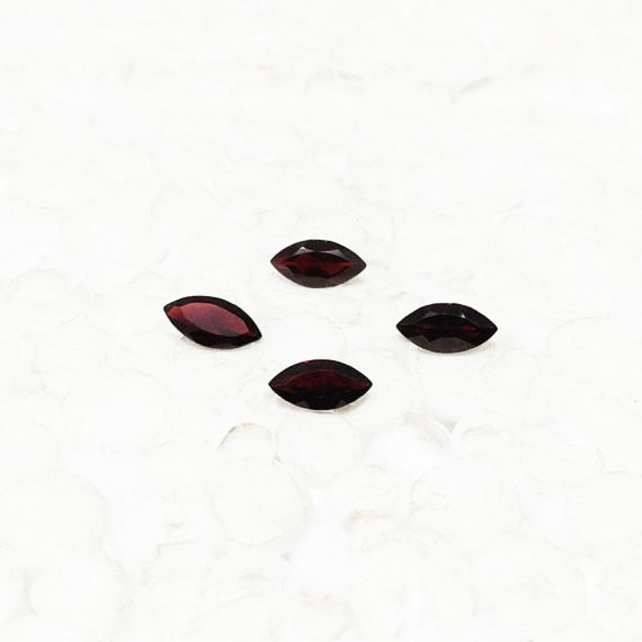 Amazing NATURAL RED GARNET Gemstone, AAA Quality Faceted Gemstone, Size 8x4 mm Marquise & 0.60 ct Weight Per Piece, Red Gemstone, Loose Gemstones