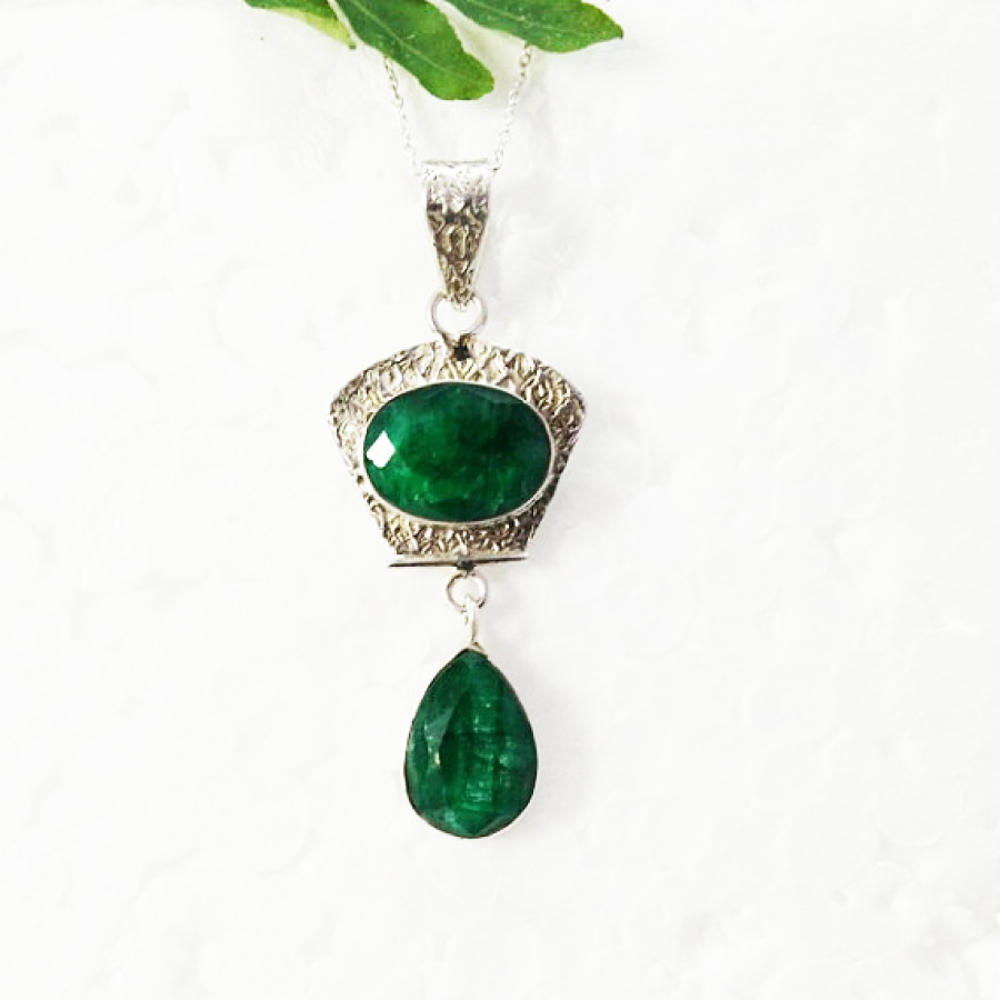 Beautiful NATURAL INDIAN EMERALD Gemstone Pendant, Birthstone Pendant, 925 Sterling Silver Pendant, Fashion Handmade Pendant, Free Chain, Gift Pendant