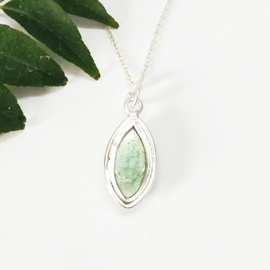 Gorgeous NATURAL FIRE LABRADORITE Gemstone Pendant, Birthstone Pendant, 925 Sterling Silver Pendant, Fashion Handmade Pendant, Free Chain, Gift Pendant