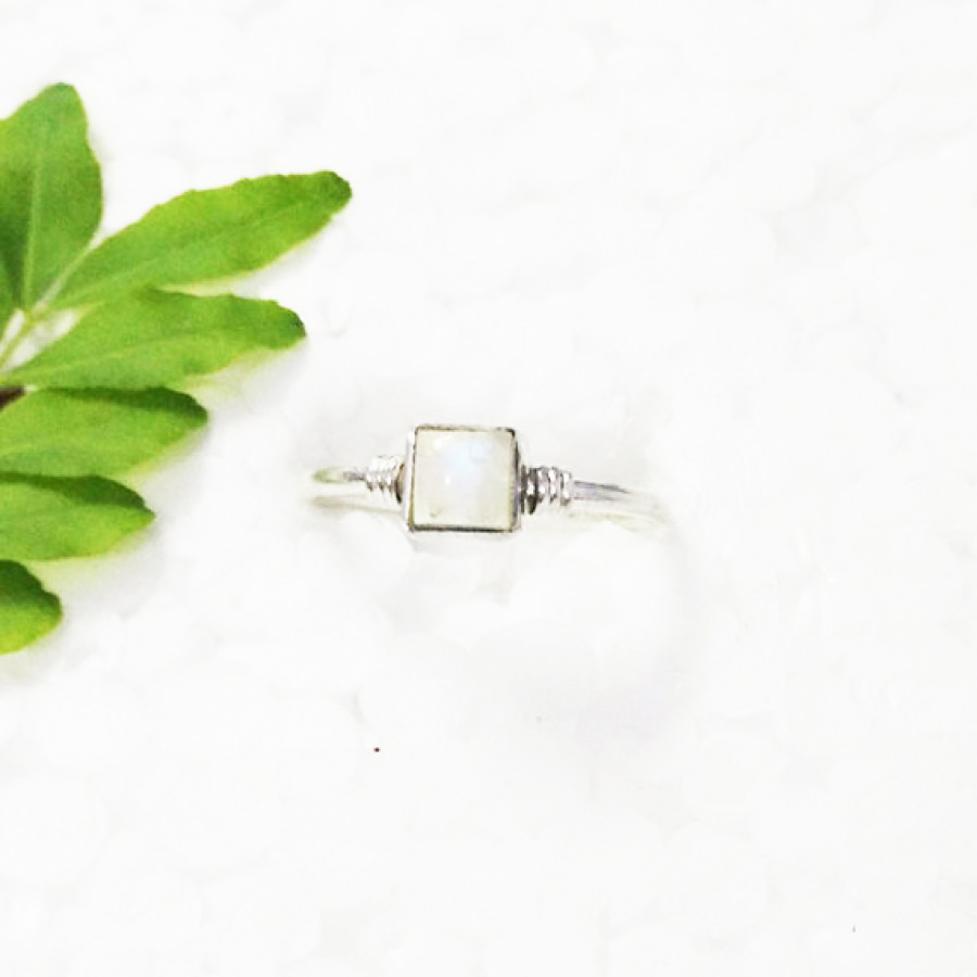 Gorgeous NATURAL FIRE RAINBOW MOONSTONE Gemstone Ring, Birthstone Ring, 925 Sterling Silver Ring, Fashion Handmade Ring, All Ring Size, Gift Ring