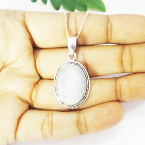 Gorgeous NATURAL RAINBOW MOONSTONE Gemstone Pendant, Birthstone Pendant, 925 Sterling Silver Pendant, Fashion Handmade Pendant, Free Chain, Gift Pendant